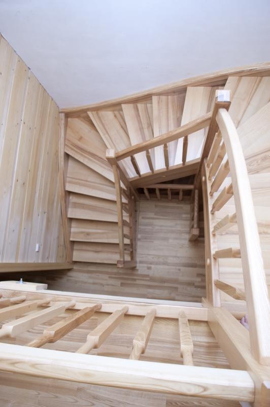 schody-valassko_cz_celodrevene_zadlabane_01