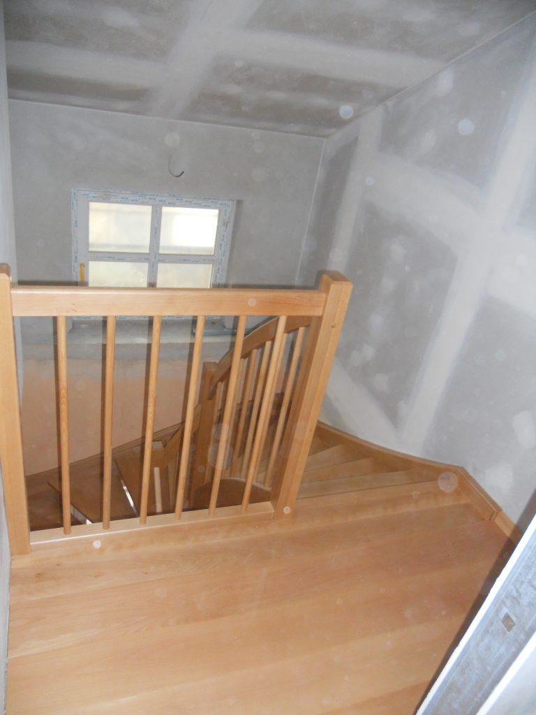 schody-valassko_cz_celodrevene_zadlabane_02