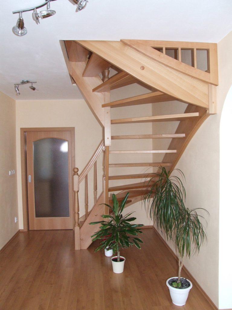 schody-valassko_cz_celodrevene_zadlabane_12