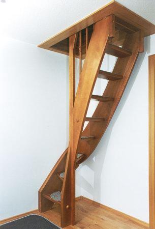schody-valassko_cz_celodrevene_zadlabane_75