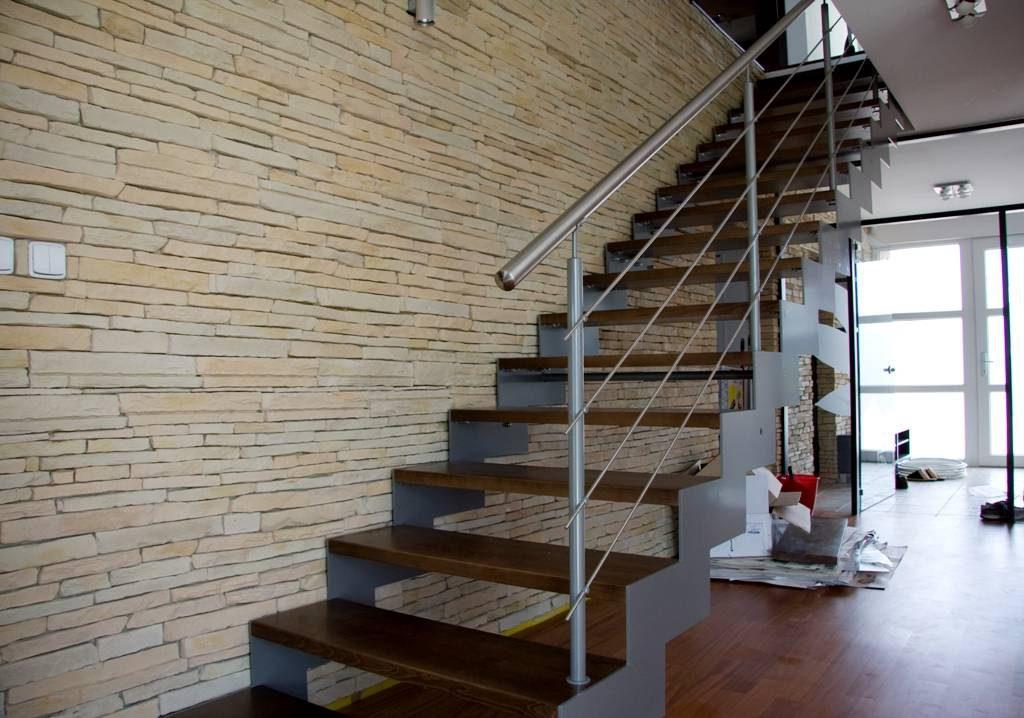 schody-valassko_cz_kombinovane_s_kovovou_bocnici_05